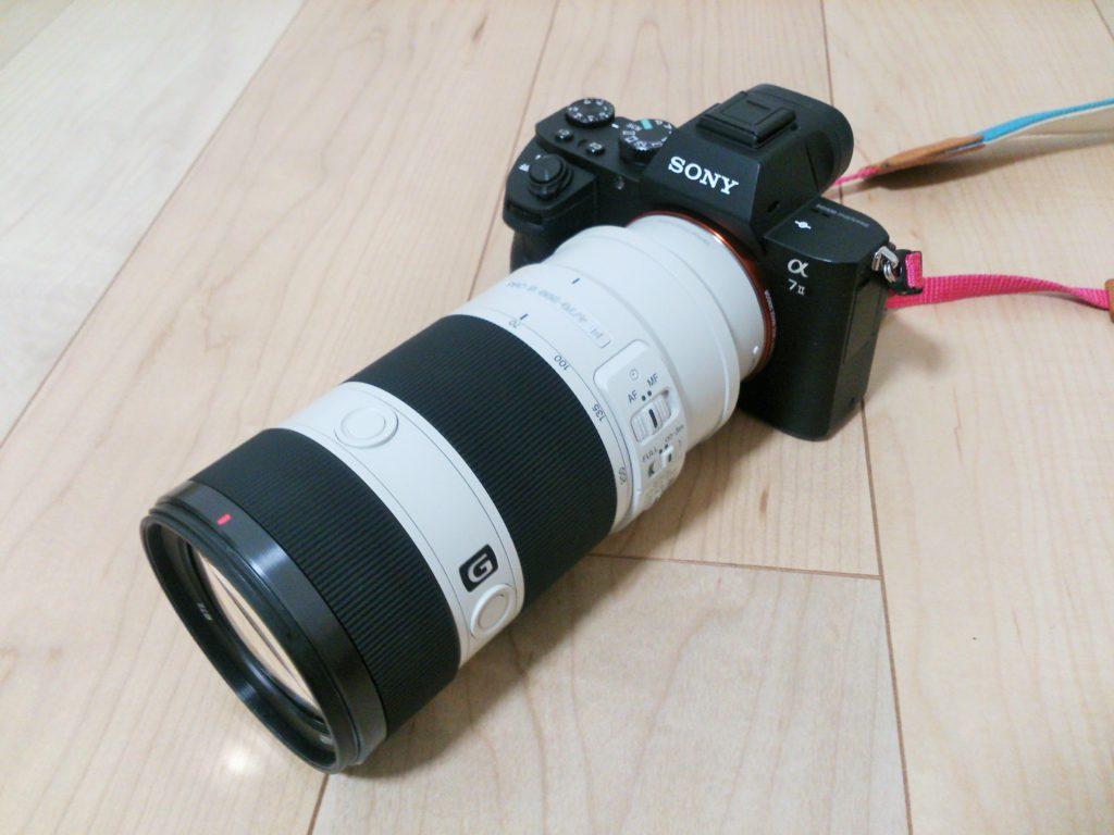 SEL70200Gをα7Ⅱに装着した画像