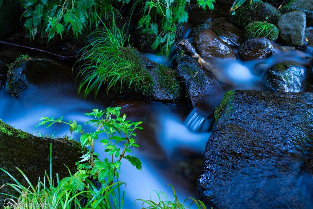 お小夜滝から流れる川